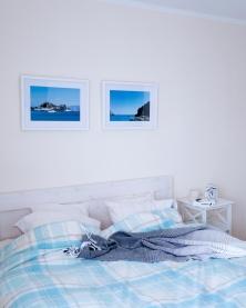 Meie magamistuba/our bedroom with just a little beach vibe.
