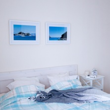 Meie magamistuba/our bedroom with just a little beach vibe.