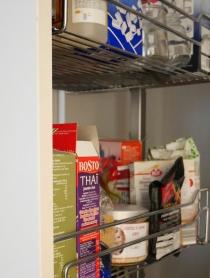 Kõrge cargo panipaik köögis kuivainetele jms./ High cargo pantry