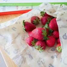 Maasikad mesilasvahast pakendis